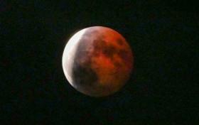 天湖森で見た月食